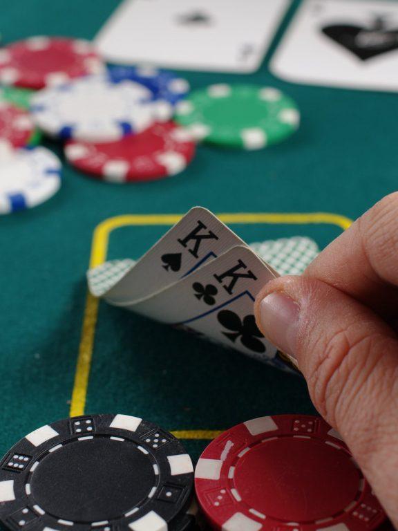 BetGames. Na czym polegają zakłady na gry karciane?