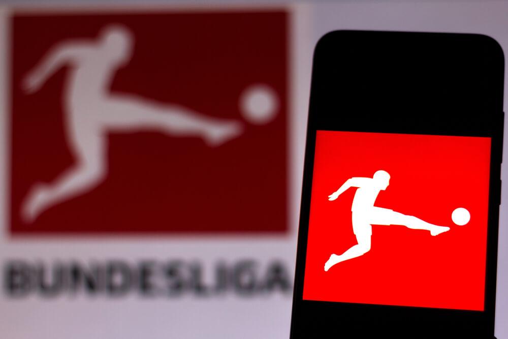 logo bundesligi na telefonie oraz w tle